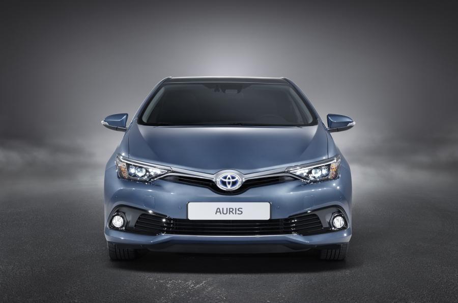 Замена лобового стекла на Toyota Auris