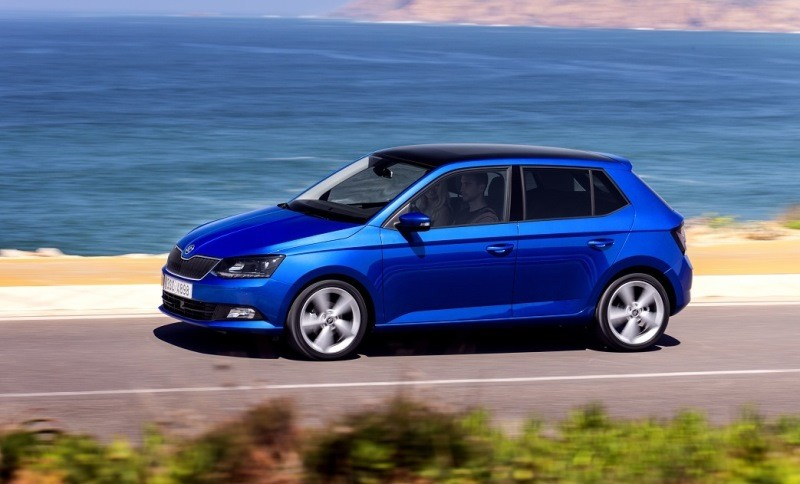Замена лобового стекла на Škoda Fabia