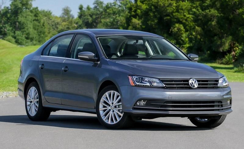 Замена лобового стекла на Volkswagen Jetta