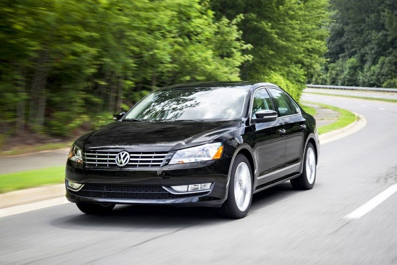 Замена лобового стекла на Volkswagen Passat