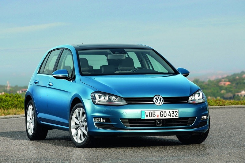 Замена лобового стекла на Volkswagen Golf 6