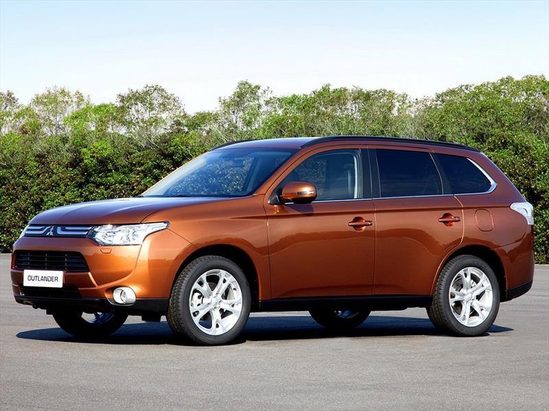 Замена лобового стекла на Mitsubishi Outlander XL