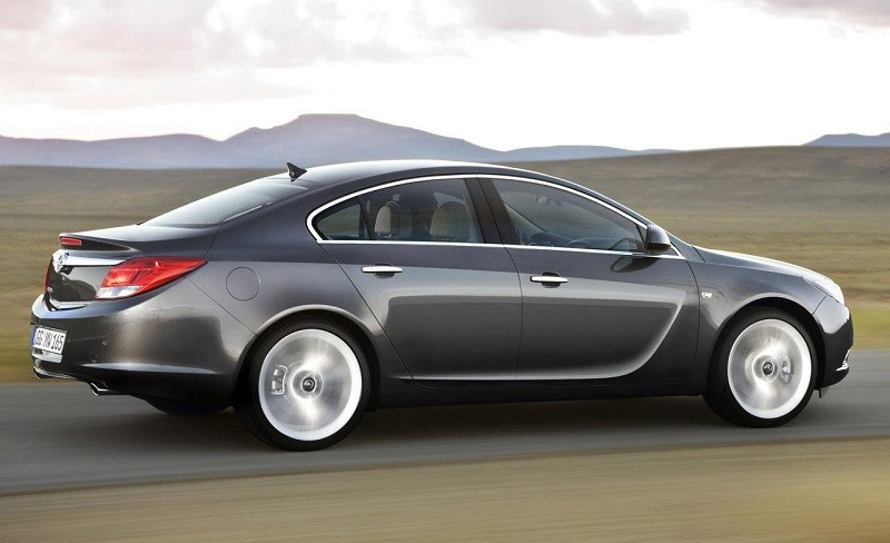 Замена лобового стекла на Opel Vectra