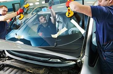 Услуги по монтажу и установке лобовых автостекол на автомобили в Москве  Продажа и замена лобового стекла ремонт трещин и тонировка
