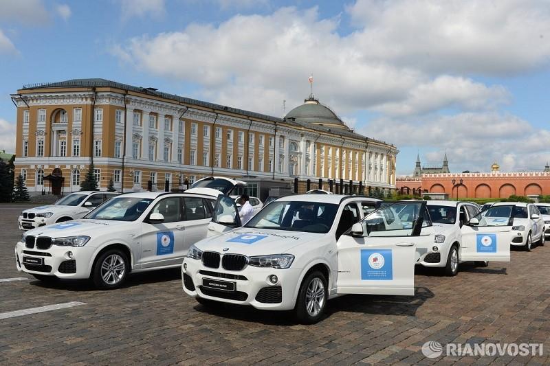 Российским чемпионам и медалистам вручили белые внедорожники BMW 6 BMW4 BMW3  1 фото