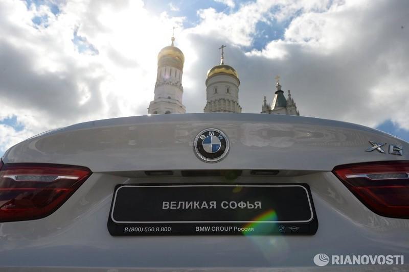 Российским чемпионам и медалистам вручили белые внедорожники BMW 6 BMW4 BMW3  2 фото
